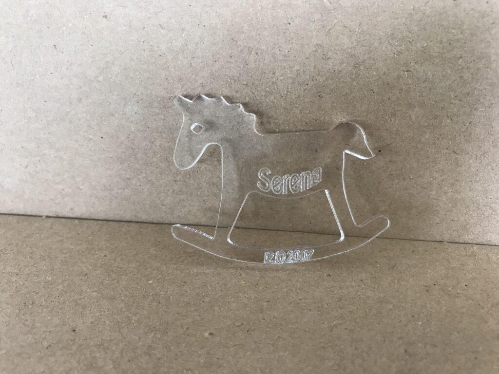 Cavallo plexiglass taglio laser - Bomboniera plexiglass